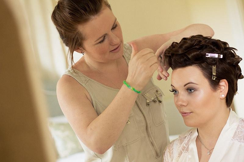 Wedding hair styilst bride