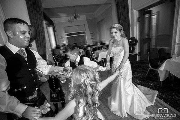 wedding family dancing disco